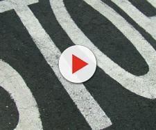 La segnaletica dello stop sul manto stradale