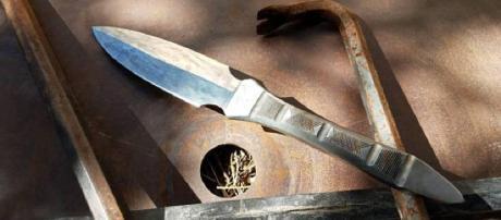 Daga forjada mano de una barra del cuervo de JakesCustomKnives en ... - etsystudio.com
