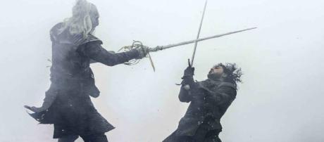 Jon Snow fighting in the Battle of the Bastards during season 6 (Image via Flickr/BagoGames)