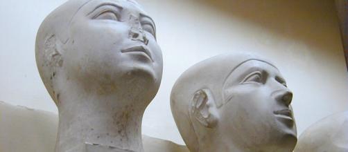 Cabezas de reserva. Dinastía IV, Reino Antiguo. Museo egipcio del Cairo.