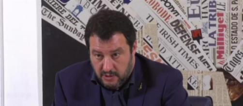La conferenza stampa di Matteo Salvini di fronte alla stampa estera