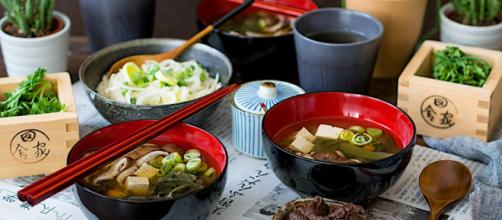 La sopa de miso es una delicia asiática colmada de nutrientes. - loleta.es