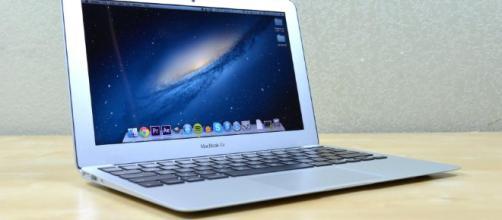 MacBook Air no solo se ajusta a ese patrón histórico, sino que también promueve el nuevo hardware.