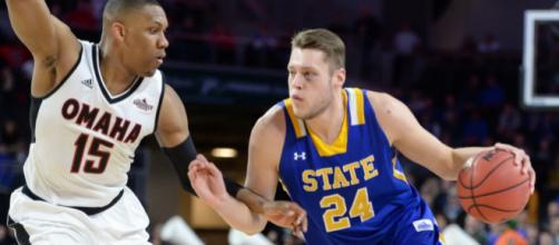 SDSU's Mike Daum could be the best kept secret in college basketball [Image via USA Today/YouTube]