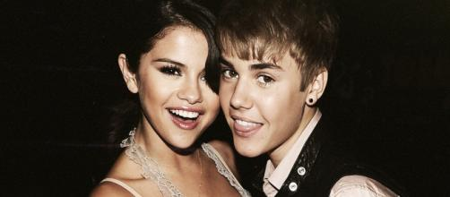 Selena and Justin at the beginning of their relationship. - [Image: Tiffany Ly via Flickr]