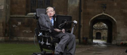 Stephen Hawking Dead at 76 | Your EDM - youredm.com