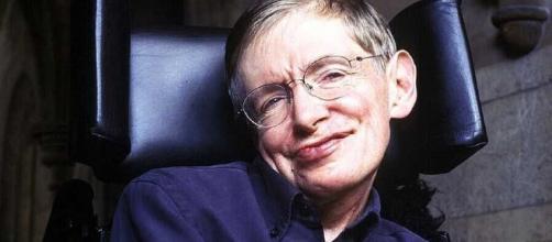 Stephen Hawking, il fisico di fama mondiale è morto all'età di settantasei anni.