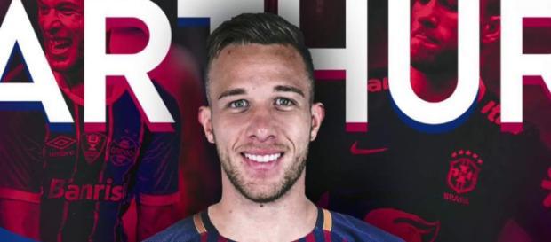 Arthur, el nuevo futbolista que reforzará la medular del Barcelona
