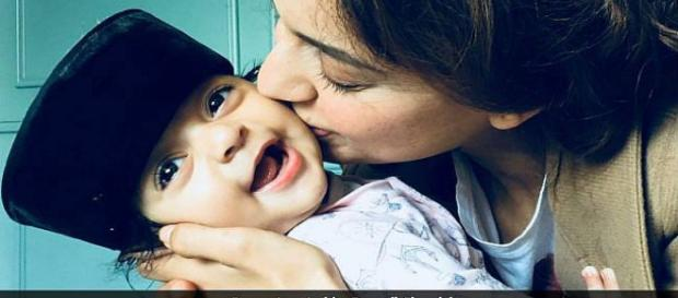 Kangana Ranaut kisses her nephew in new picture shared by sister (Image Credit: Rangoli Chandel/Twitter)