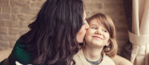 La maternidad es un viaje en el que cada madre puede elegir una ruta o camino diferente de cómo criar a su hijo