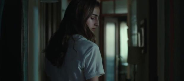 Sandra Escacena in and as Veronica (Image credit :Sony Pictures España/Youtube screencap)