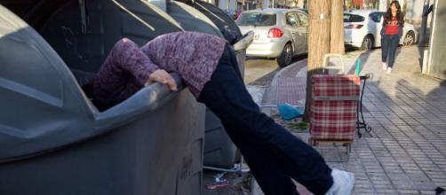 Obligados a buscar en la basura: pobreza extrema en el siglo XXI - eldiario.es