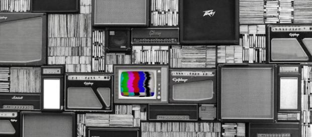 Desde el nacimiento de la imprenta, pasando por la radio, la televisión, el cine,… y la llegada de Internet: los anuncios nos rodean