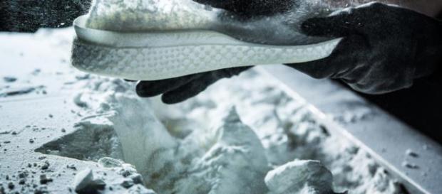 Entresuela de la impresora 3D: con el Futurecraft 4D, Adidas está abriendo nuevos caminos.