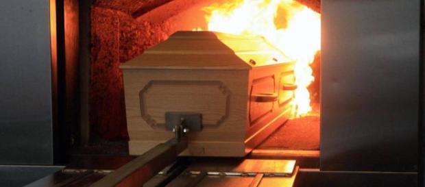 La cremación se elige sobre los entierros debido a preferencias personales, no porque el método sea menos costoso.