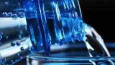 Microplastiche nell'acqua potabile: le aziende coinvolte