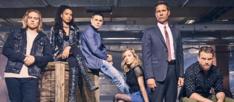 Travelers is coming back for a third season. Photo Credit: Twitter/@TRVLRSseries