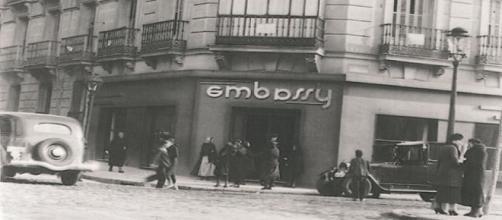 """Cafetería """"Embassy"""", fundada en 1931."""