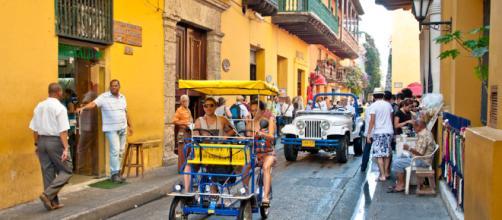 COLOMBIA |||||||||| CARTAGENA - TURISMO. CALLES, CENTRO. | Mágica ... - pinterest.es