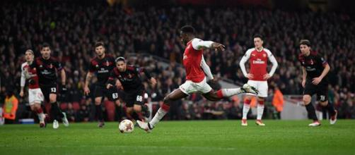 Danny Welbeck scores against AC Milan(Europa League Facebook)