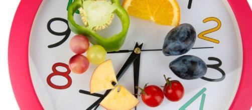 La alimentación requiere horarios regulares. - laopinion.com