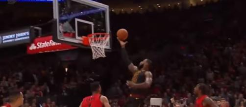 LeBron James sixth active player with 400 double-doubles against Portland trailblazers March 15, 2018.
