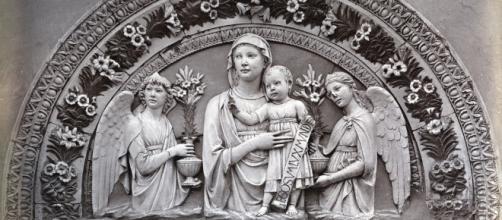 Lucca della Robbia y la creación de un nuevo tipo de material