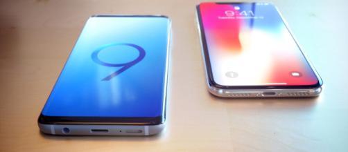 Samsung Galaxy S8 e Apple iPhone X a confronto