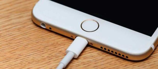 Aunque hay muchas baterías externas, debes apagar iCloud y reducir el brillo para ahorrar batería