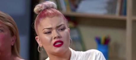 """""""Teen Mom star Amber Portwood opened up on """"Marriage Boot Camp: Family Edition"""" about Matt's abuse. [Image 24*7 UPDATES/YouTube]"""