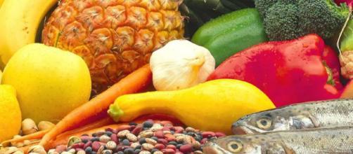 Alimentazione e tumori: ecco quali cibi dobbiamo evitare per ... - meteoweb.eu