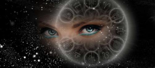 Escorpio, las estrellas ofrecen consejos sobre la indecisión y la relajación