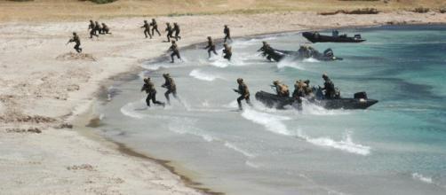 Simulazione sbarco per attacco di guerra nel Poligono di Teulada