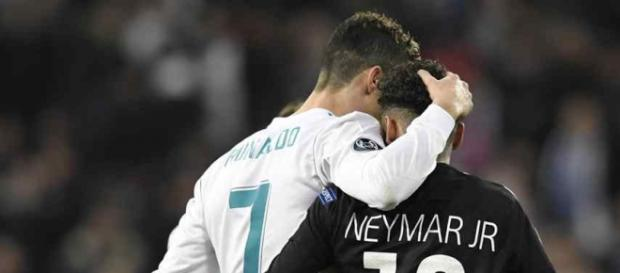 Cristiano Ronaldo e Neymar se encontraram na Champions League