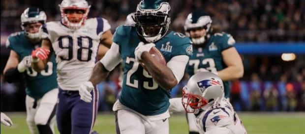 The Lions have signed LeGarrette Blount to a 1-year deal. [Image via NBC Sports/YouTube]