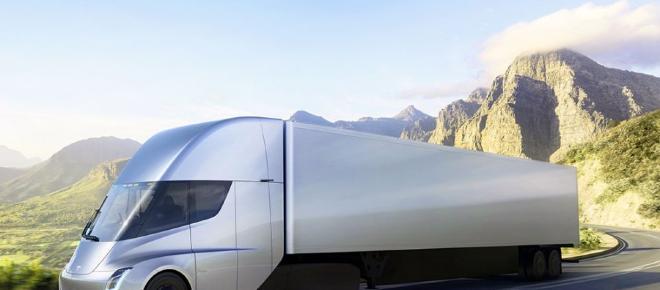 Daimler vence a Tesla al presentar el primer camión eléctrico