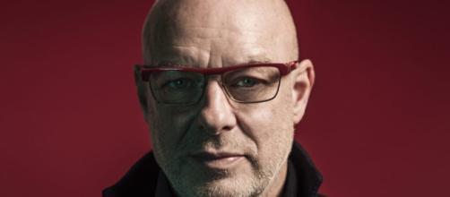 Brian Eno anuncia nuevo box set con música de sus instalaciones y obras.