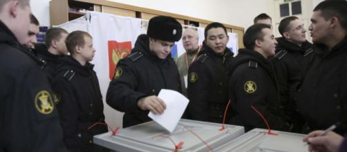Pendant 18 ans, les russes ont voté Vladimir Poutine et ne le regrettent pas.