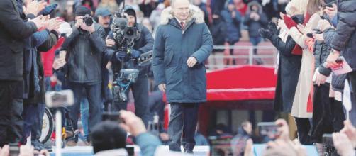 Putin è stato rieletto presidente per la quarta volta.