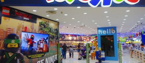 TODAYonline   Toys 'R' Us is said to mull options for S$2.71 ... - todayonline.com