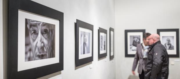Exposición Arte y Fotos contra el Sida. | Gabino Cisneros. Fotografía - blogspot.com