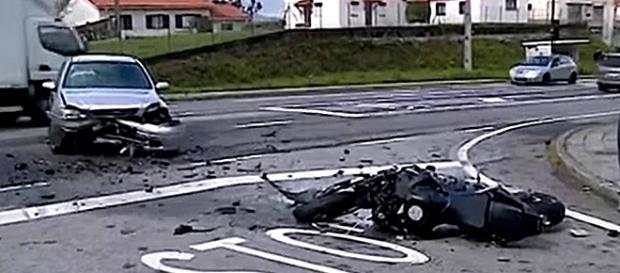 Motociclista morreu na sequência de violenta colisão com automóvel