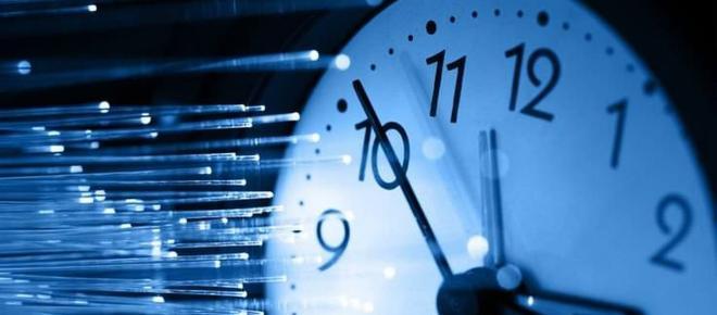 Viaggio nel tempo, uomo afferma di venire dal futuro: ecco l'intervista video