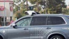 Uber interrompe i test di guida autonoma dopo aver investito una donna