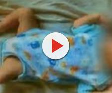 Pai pedófilo dá 'banho da morte' em bebê e cenário choca: sangue e fezes