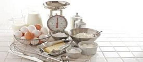 Medir y pesar los ingredientes es necesario y vital en el proceso.