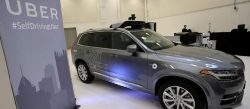 Uber ordina 24.000 Volvo XC90 per la guida autonoma - overnewsmagazine.com
