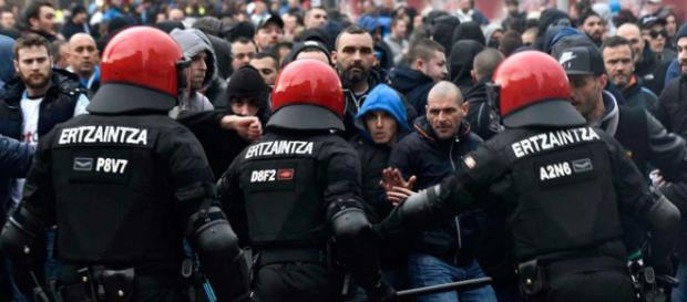 La UEFA carga a Marsella y Lyon por problemas en la Liga de Europa