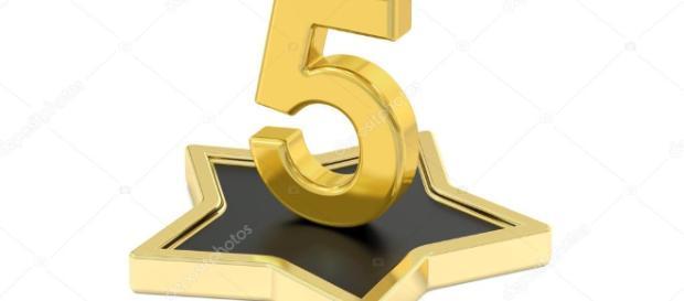 número de oro 5 estrellas podio, render 3d — Foto de stock ... - depositphotos.com