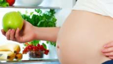 Pericolo dieta vegana in gravidanza: cosa dicono esperti Bambin Gesù e Meyer